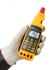 Fluke 773 Process Clampmeter Being Held Clamp Detached